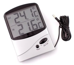 IC7310TM - Jumbo Display In-Out Thermometer